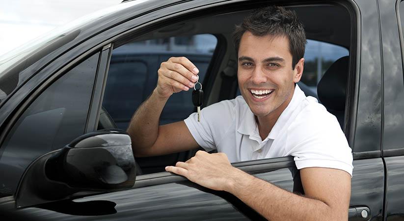 Cinco pautas para escoger autoescuela